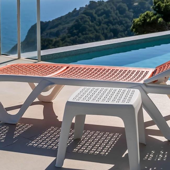 Шезлонг Eva Pro Coral (3130BU) купити на сайті Shezlongi.Com.UA • Пластикові шезлонги Balliu