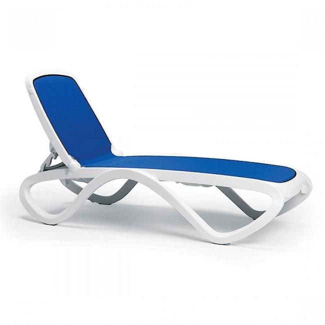 Шезлонг Omega Bianco Blue (40417.00.112) купити на сайті Shezlongi.Com.UA • Пластикові шезлонги Nardi